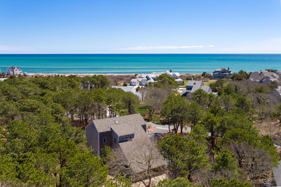 3 Private Beaches, Sleeps 10, AC, Dogs considered!
