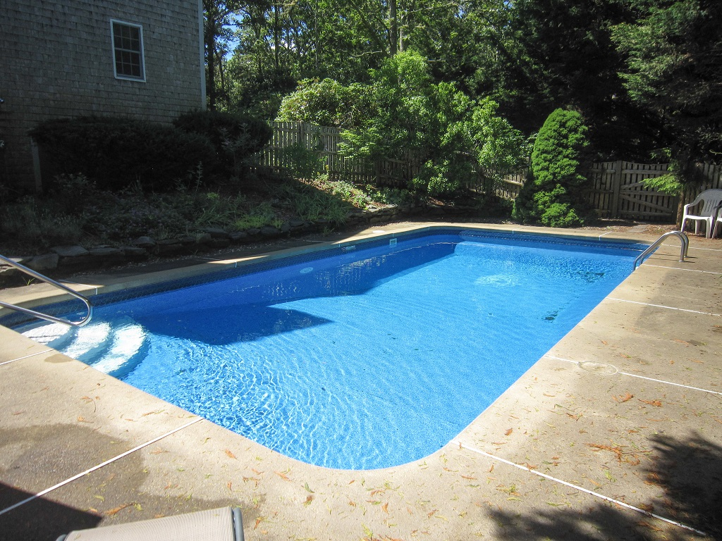 Spacious 4BR Home with Pool and Peak Views!