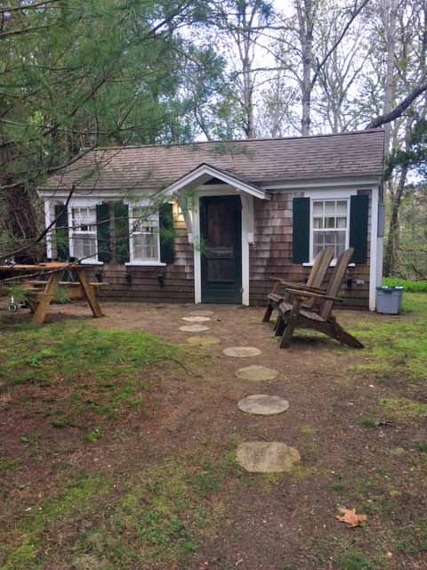 Cottage Grove- Charming 1BR Cottage With AC
