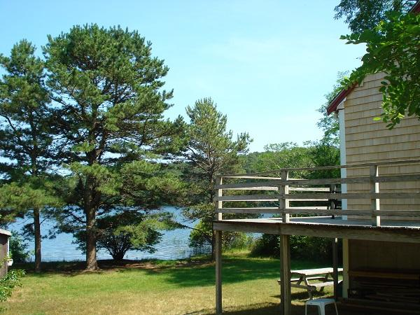 2 Bedroom Overlooking Long Pond