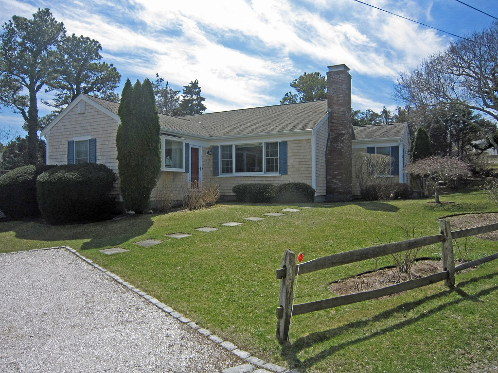 Walk to Nauset from this Renovated Ranch