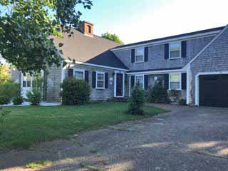 Harwich Port Estate- Close to Town- Close To Nantucket Sound