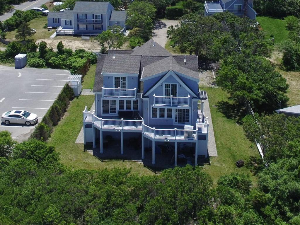 Accommodates 12 Guests Overlooking Cape Cod Bay, 6 BD/6 BTH