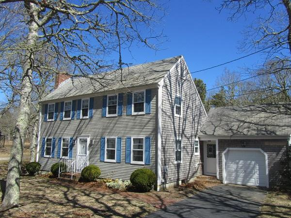 Beautifully Maintained 3BR Colonial Close to Forrest Beach