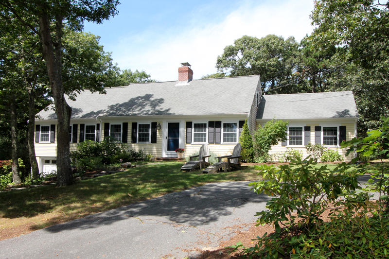 Spacious & Bright 4BR Brewster Cape Home