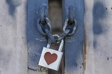 padlock with heart